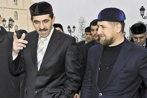 Юнус-Бек Евкуров и Рамзан Кадыров. Фото с сайта rus-obr.ru