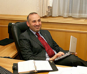 Камран Улуханов Фото www.uralsib.ru