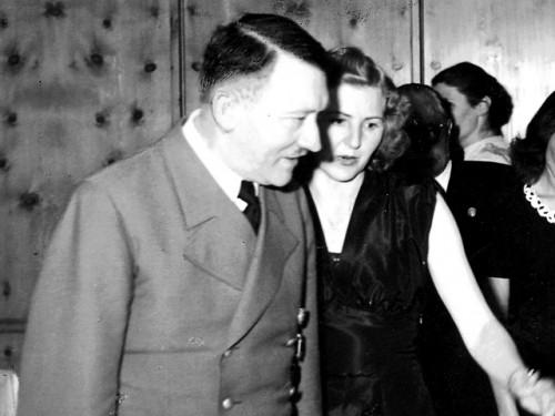 Ева Браун и Адольф Гитлер Global Look Press