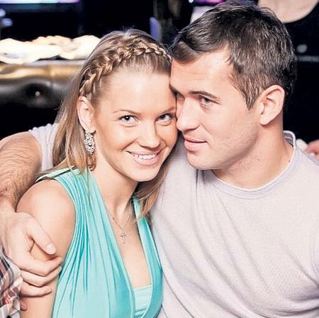 КЕРЖАКОВ увёл Катю у женатого хоккеиста. Фото: Vk.com