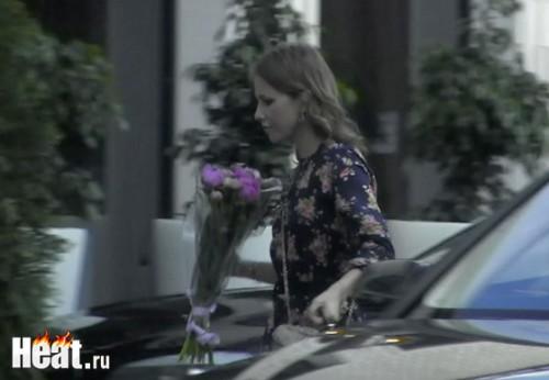 Ксения Собчак приехала на праздник очень серьезной