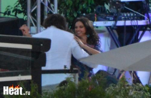 Наталья Синдеева была в хорошем настроении и танцевала со всеми гостями