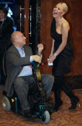 На фото: Олег Бойко и Маша Малиновская на новогодней вечеринке канала Fashion TV