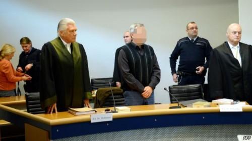 Андреас Аншлаг на процессе в Штутгарте