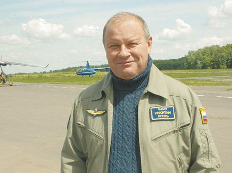 Еще за год до знаменитого полета со стерхами Игорь Никитин обучал Путина пилотированию дельталета. фото: Анастасия Гнединская