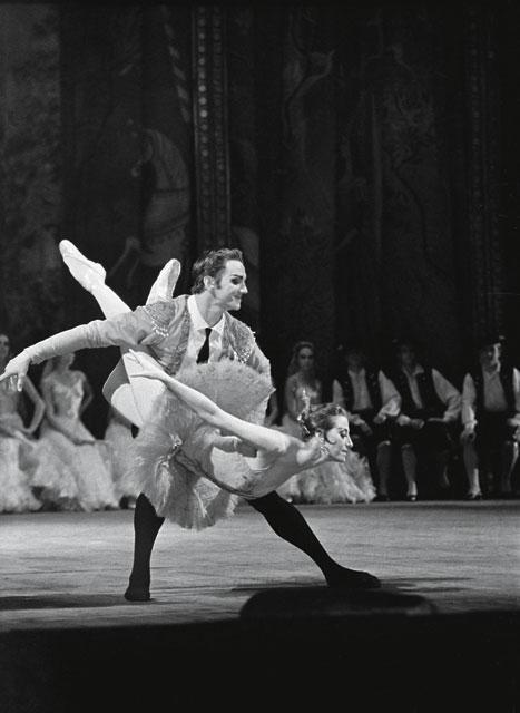 ...А также солисты балета. Марис Лиепа и Майя Плисецкая Фото: Александр Макаров (РИА Новости)