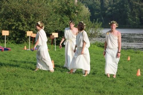 Древние греки были изрядно пьяны, как и положено служителям Диониса