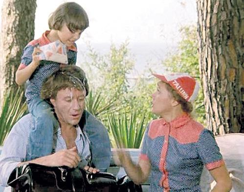 На съёмках «Будьте моим мужем» ПРОКЛОВА влюбилась в художника АДАМОВИЧА, который являлся настоящим папой её экранного сынишки