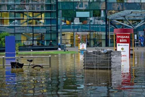 Адлер. Затопленная привокзальная площадь