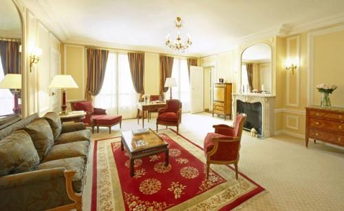 Роскошные люксы отеля стоят 13,5 тысяч евро в сутки. Фото: crillon.com