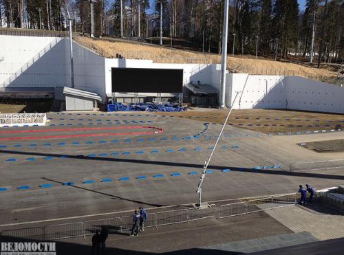 Самый дорогой стадион из всех построенных к «Олимпиаде» — на его строительство потрачено свыше 50 млрд руб. Инвестор — «Газпром».