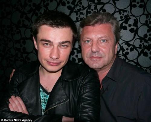 Владельцы: Хип-хоп промоутер Сергей Иво (слева) и владелец клуба Марк Фуллер (справа)