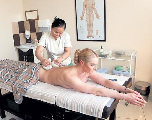 Анастасия любит, когда с её телом грубо обращаются. Фото: volochkova-a.livejournal.com
