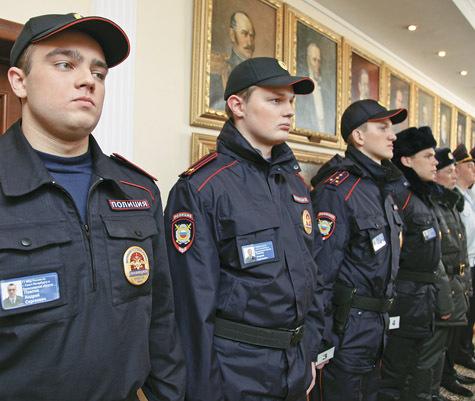 Все закупки новой полицейской формы были отданы одним и тем же «прокладкам». Никто за это так и не ответил. фото: Геннадий Черкасов