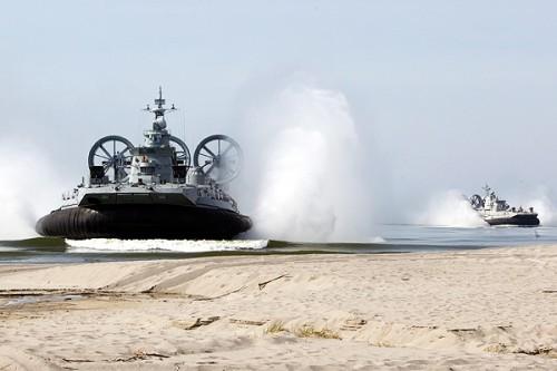Корабль на воздушной подушке «Зубр». Фото: Игорь Чуприн / РИА Новости
