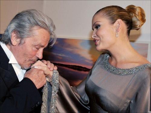 Ален Делон и Лола Каримова – на одном из благотворительных вечеров. Фото с сайта fergananews.com