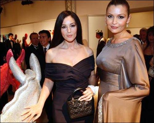 Моника Белуччи и Лола Каримова. Фото с веб-сайта Moizvezdi