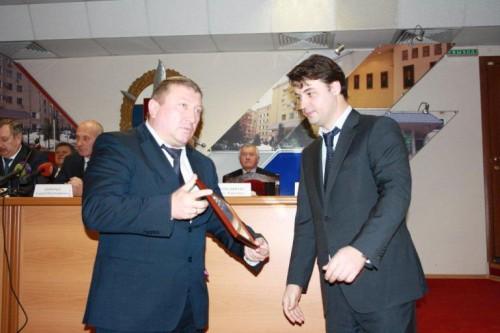 Борис Колесников (справа)