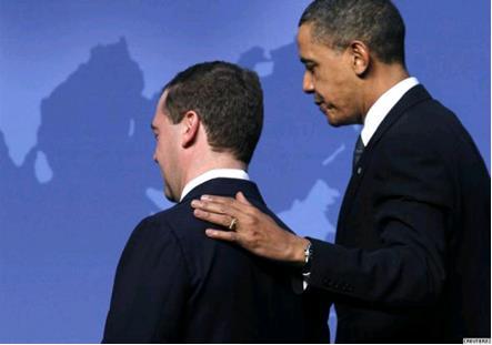 «Мягкий, легко манипулируемый президент Медведев, не скрывающий своего преклонения перед американскими технологиями»