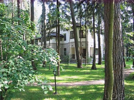 Коттеджный поселок «Сады Майендорф» – одно из немногих мест, которое полностью соответствует классу Luxury