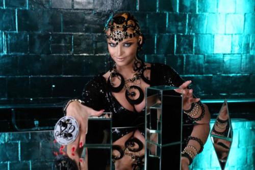 Кадры из нового клипа Анастасии Волочковой, который она посвятила Иосифу и Валерии