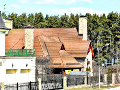 Прятаться от соседей за забором Сергей Иванов не стал. Фото Александр Алешкин