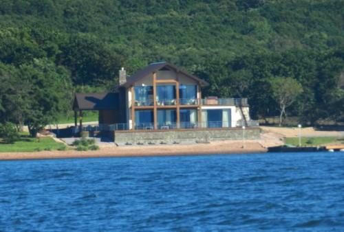 Резиденция в бухте Боярин