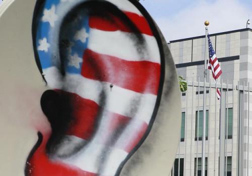 Из-за одних только подозрений в способности АНБ США следить за компаниями и чиновниками по всему миру через продукцию американских IT-компаний последние могут недосчитаться $35 млрд выручки Фото: Handout / Reuters