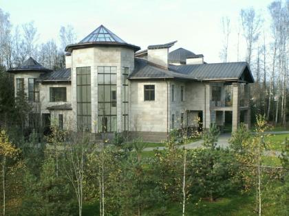 К настоящему моменту «Евразия» раскололась Architecton