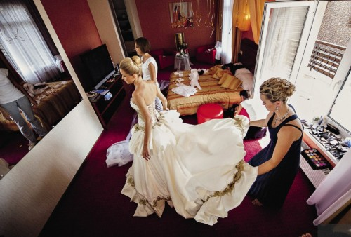 Это тот самый номер «Казанова». Невестам здесь очень удобно: есть большое зеркало.