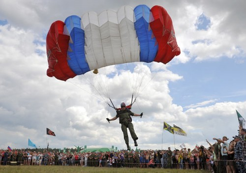 Минобороны считает, что рок-фестиваль — отличная площадка для рекламы Вооруженных сил Фото: Александр Рюмин / ИТАР-ТАСС