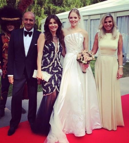 Невеста с четой Крутых и Мариной Юдашкиной // Фото: «Инстаграм»