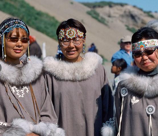 Туристы должны были посетить один из чукотских поселков, где для них организовали концерт, посещение музея, прогулку и чаепитие