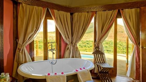 004481-14-kasbah-bedrooms-berber_tents_bath