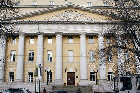 Здесь, в офисе «Лукойл», в особняке XIX века, работал Ланфранко Чирилло