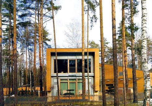 Архитектором этого дома в элитном поселке Х-Park на Рублевке был Юрий Григорян. Но на фото из книги Ланфранко Чирилло его имя не указано