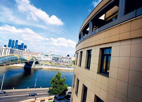 Частная резиденция на Ростовской набережной с видом на Москву-реку. Квартира в 220 м2 здесь стоит €4 млн