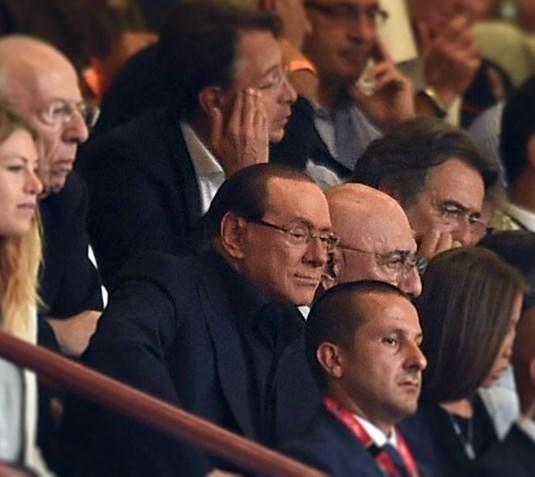 Апелляционный суд Милана встал на сторону бывшего премьера Сильвио Берлускони обязал экс-супругу политика отказаться от 36 из 108 миллионов евро, которые некогда супруг должен был ей выплатить за три года, прошедшие после развода