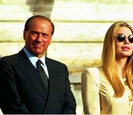 Окончательное решение о разводе суд вынес в феврале 2014 года, оставив экс-супругам возможность урегулировать финансовые вопросы. Теперь, предполагают журналисты, Вероника Ларио обратится в Верховный суд Итали