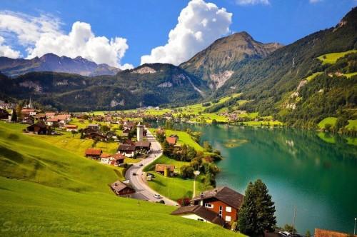 Швейцария — новая родина нашего министра.