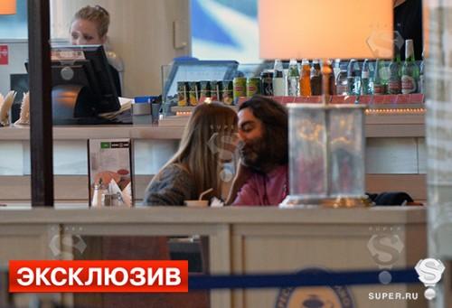 А уже в 2012 году Иванова подарила своему возлюбленному дочку