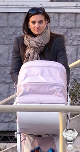 Каждый день олимпийская чемпионка гуляет с новорожденной дочерью в родном Волгограде