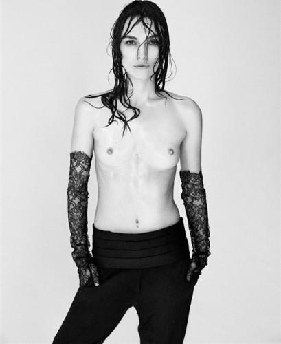 Кира Найтли согласилась на топлес съемку с условием, что ее грудь не станут увеличивать в фоторедакторе
