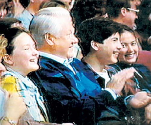 Борис Ельцин младший с дедушкой и своей первой возлюбленной