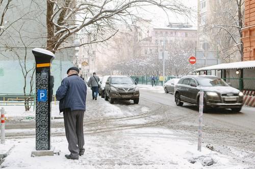 Крупным поставщиком паркоматов в Москве стала компания «Аспарк», основанная молодым бизнесменом из Сибири Дмитрием Толстенко Фото: Антон Беркасов для РБК