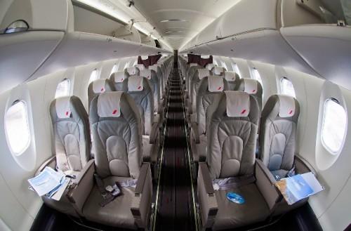 Салон Bombardier CRJ 1000. Автор: Alex Beltyukov