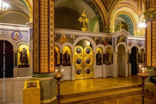 Внутеннее убранство домовой Никольской церкви при Мариинском дворце в Санкт-Петербурге