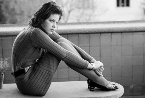 Юная Орнелла Мути в архивной фотосессии конца 60-х годов. Фотограф - Elio Sorci. Рим