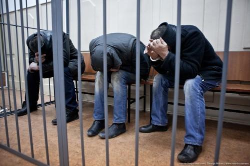 В воскресенье, 8 марта, Басманный суд Москвы арестовал всех пятерых человек, которые проходят в качестве подозреваемых и обвиняемых по делу об убийстве Бориса Немцова