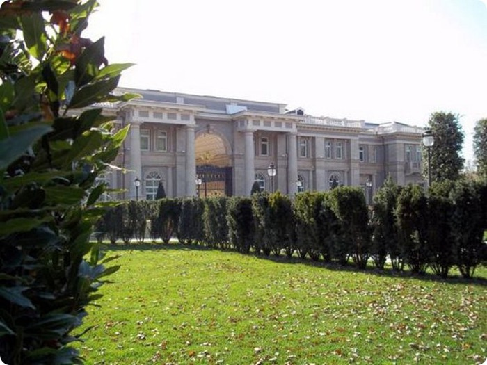 Для сравнения - резиденция Путина на Валдае. фото: 24daily.net